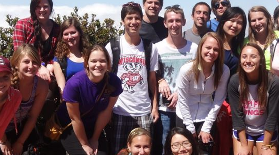 Photo of Costa Rica program students