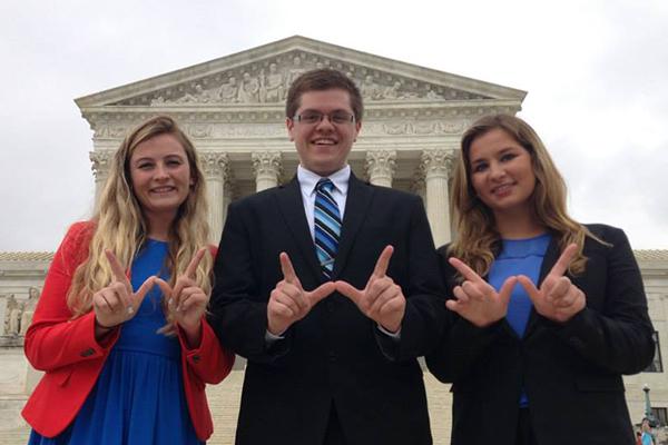 Photo of UW in Washington program students