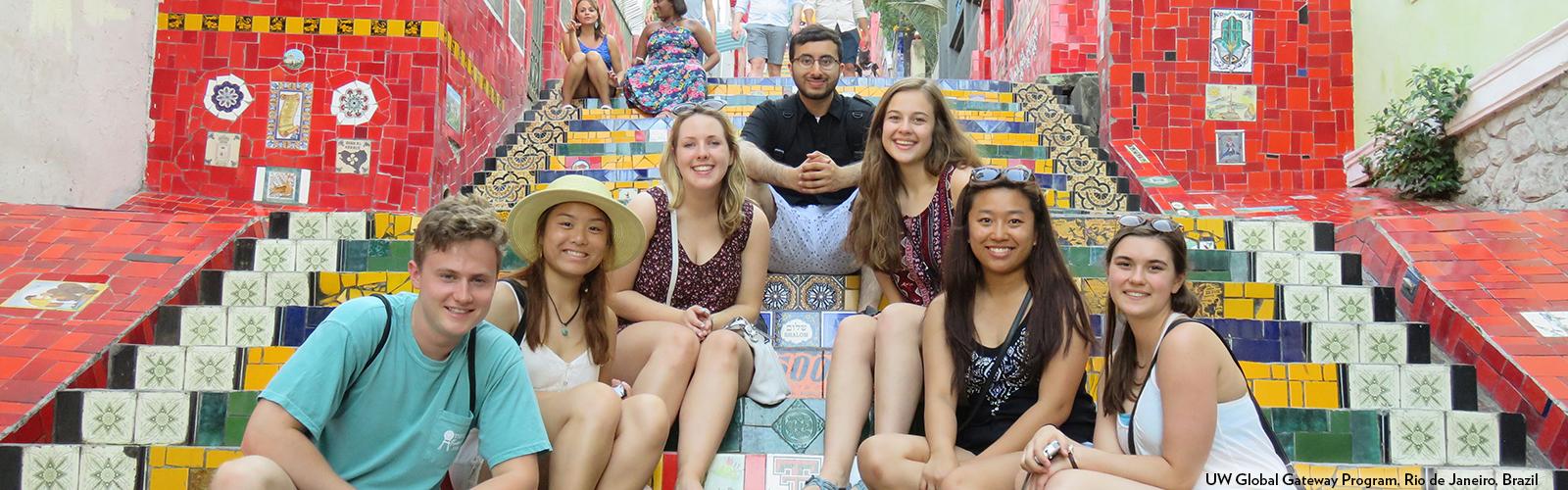 Photo of UW Global Gateway students